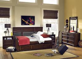 Full Bedroom Set With Storage Bedroom Daybed To Double Bed And Full Size Daybed With Storage