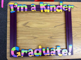 graduation gifts for kindergarten students end of the year photo booth apples and abc s