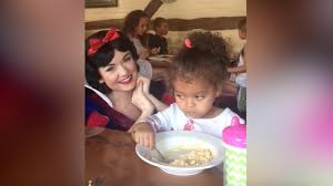 Little White Girl Meme - little girl is unimpressed by snow white just wants to eat her mac