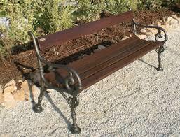 panchine da giardino in ghisa panchina in legno iroko con supporti in ghisa buy in martinsicuro