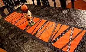 17 cool diy fall table runners shelterness