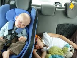 location siege enfant longs trajets en voiture avec bébé et enfant nos conseils