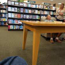 Barnes And Noble Tampa Fl Barnes U0026 Noble Booksellers 17 Reviews Bookstores 3327