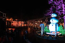 dollywood christmas lights 2017 dollywood unwraps country s best christmas event on nov 10 annual