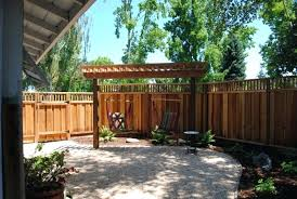 Backyard Privacy Ideas Cheap Privacy Fence For Small Backyard Small Backyard With Privacy Fence