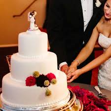 wedding cake cutting songs here are the best ideas to choose ones wedding cake cutting songs jpg