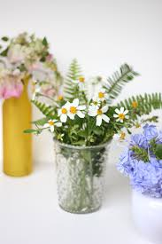 3 simple floral arrangements using flowers in your backyard the