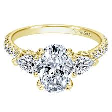 yellow gold oval engagement rings 14k yellow gold oval 3 stones engagement ring er9048y44jj