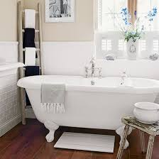 Country Home Interiors by Best 20 Country Cream Bathrooms Ideas On Pinterest Country