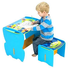 bureau enfant mickey premier bureau enfant bacbac 2 ans table jouet dactivit pat
