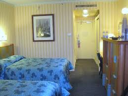 chambre standard hotel york disney chambre avec 2 lits doubles picture of disney s hotel york