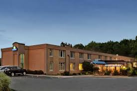 Comfort Inn Mentor Ohio Days Inn Willoughby Cleveland Willoughby Hotels Oh 44094