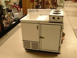 Tiny House Kitchen Appliances by 622 Best Appliances Images On Pinterest Vintage Kitchen Retro