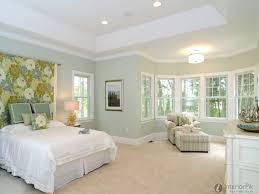benjamin moore glass slipper large master bedrooms benjamin moore aganthus green prescott