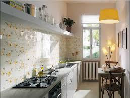 fliesen küche wand fliesen küche wand mit blumenmotiv keramikfliesen