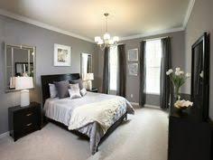 wandbilder fã r schlafzimmer wohnideen schlafzimmer dunkles mobiliar und graue bettwäsche