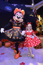 Disney Store Halloween Costumes Minnie U0027s Halloween Bootique Style Maison Mouse