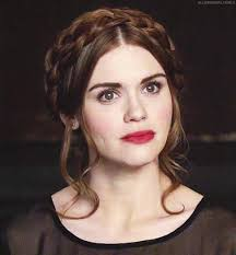 lydia martin hair i love this hairstyle i wish my hair was long enough to do this