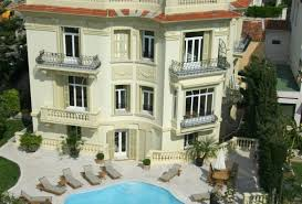 5 bedrooms 5 bedroom holiday rental villa with pool in south of france
