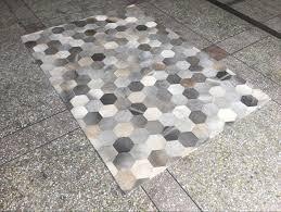 tappeto design moderno grigio beige cucire a mano naturale vacchetta patchwork tappeto di