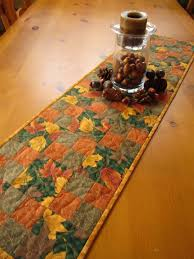 Quilted Table Runners by 117 Best Quilted Center Pieces Images On Pinterest Quilted Table