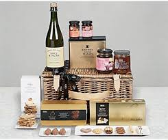 What To Put In A Wine Basket Gifts For Her Gift Ideas For Women M U0026s