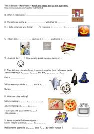 Halloween Comprehension Worksheets This Is Britain Halloween Worksheet Free Esl Printable