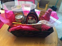 bachelorette gift bags she who longs to be diy bachelorette gift basket gift bag idea
