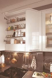 meuble hotte cuisine hotte range épices et meuble de cuisine hauts électrique aviva