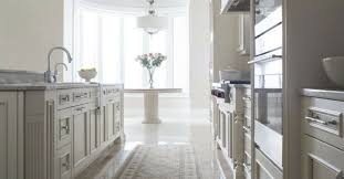 crown moulding on kitchen cabinets kitchen cabinet crown molding specialists in orlando