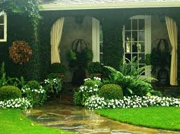 Garden Ideas For Front Of House Ideas For Landscaping In Front Of House Cheap Landscaping Ideas