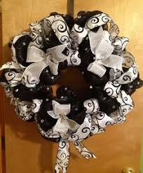 white deco mesh shimmering black and white deco mesh christmas wreath 20