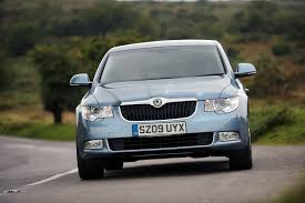 skoda introduces new 1 6 tdi to superb range
