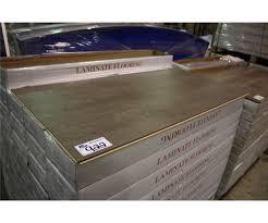 Laminate Flooring 50 Sq Ft Luminous Contrast 12 3 Mm Midnight Oak Glueless Laminate Flooring