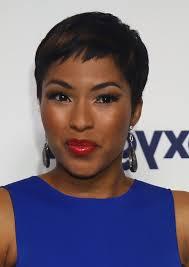 how tohi lite shirt pixie hair alicia quarles short pixie cut with highlights for black women