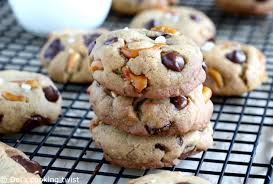 des vers dans ma cuisine salted pretzel chocolate chip cookies s cooking twist