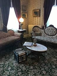 Lizzie Borden Bed And Breakfast Me On The Murder Couch Dead Picture Of Lizzie Borden Bed And