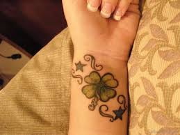 28 cute four leaf tattoo designs on wrist