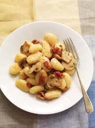 cuisiner les gnocchis gnocchis au fromage crémeux aux chignons et au bacon ricardo