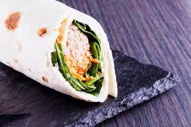 駑ission cuisine 卷用奎奴亚藜 沙拉和红萝卜库存照片 图片包括有越南语 红色 烹调