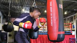 despite fighting in chris algieri u0027s backyard errol spence jr