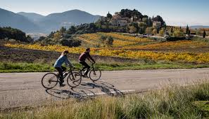 the luberon valley official website for tourism in france