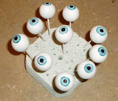 102 wicked things to do 7 the eyes have it