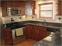 kitchen oak cabinets kraftmaid cabinets kitchen remodel ideas