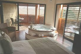 week end romantique avec dans la chambre chambre d hotel avec privatif ile de un week end