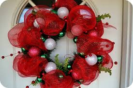 mesh christmas wreaths how to make a mesh wreath 30 diys with guide patterns
