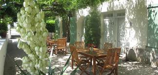chambre d hote sisteron les glycines biker b b apartments with swimming pool in