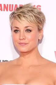 why kaley cucoo cut her hair kaley cuoco hair evolution see how she grew out her pixie glamour