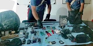 rapina in corigliano sventata rapina in i carabinieri inseguono e