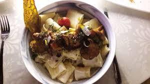 cuisiner les girolles fraiches paccheri aux girolles fraîches et sa sauce au sichuan pepper